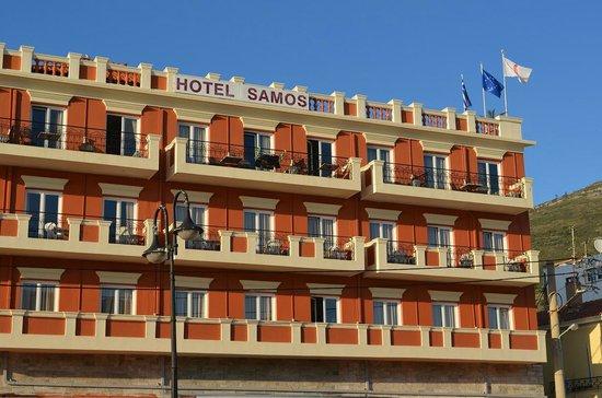 Samos City Hotel: Hotel Samos from the street