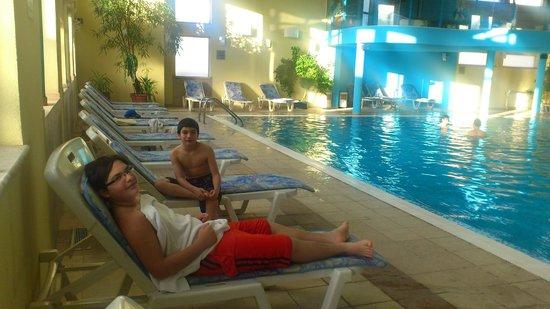 Hotel Bansko: Relaxing in the pool