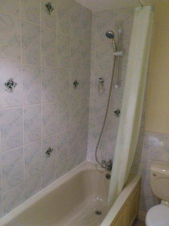 The Washington: Ensuite Bath/Shower