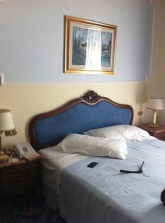 Hotel Terme Due Torri: un dettaglio della camera classic