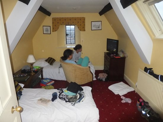 Mortons House Hotel: Kids twin room