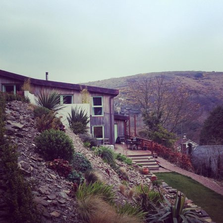 The Copper House - Portreath: In the garden looking at the rear elevation