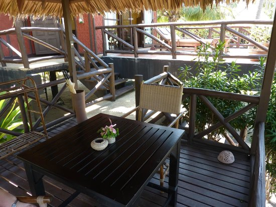 Phi Phi Island Village Beach Resort: shaded seating outside villa