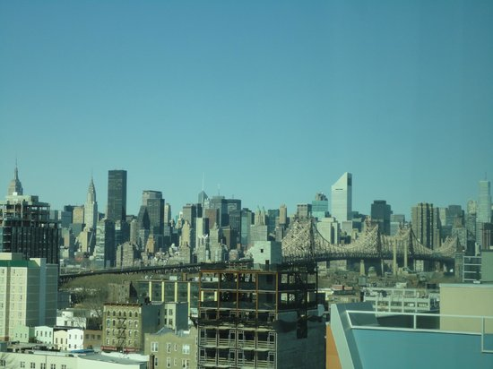 Holiday Inn L.I. City - Manhattan View: View towards Manhattan