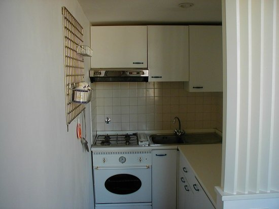 Coronari: kitchen (apartment 2)