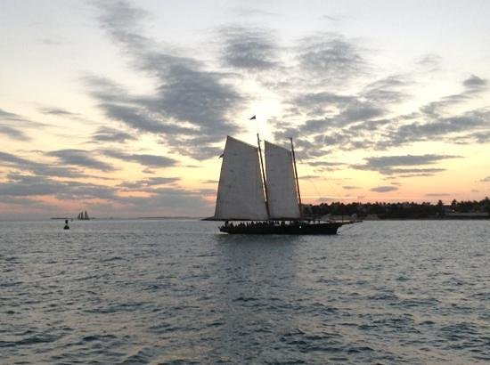 The Conch House Heritage Inn: Mallory Square sunset