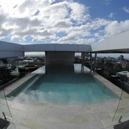 Best Western Plus Lex Cebu : Infinity Pool at the Roof Deck