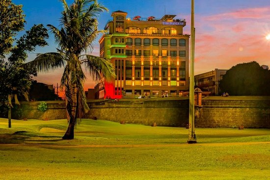 The Bayleaf Intramuros: Sunset at The Bayleaf