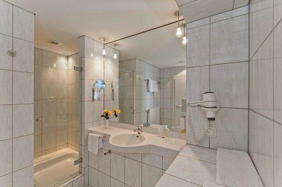Top Hotel Meerane: Badezimmer Standardzimmer
