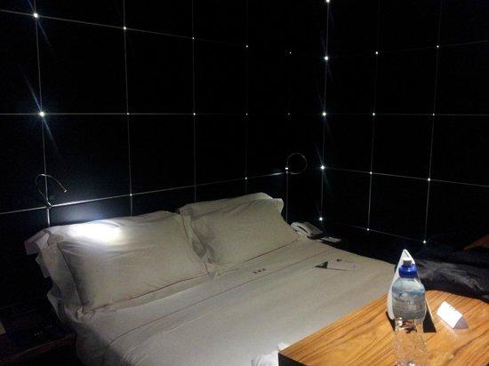 UNA Hotel Vittoria: letto