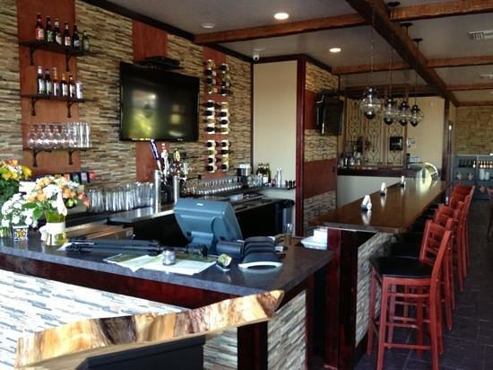 The Cove Bistro & Gifts: a great place to stop in and have drinks with friends and hang with local people and the owners