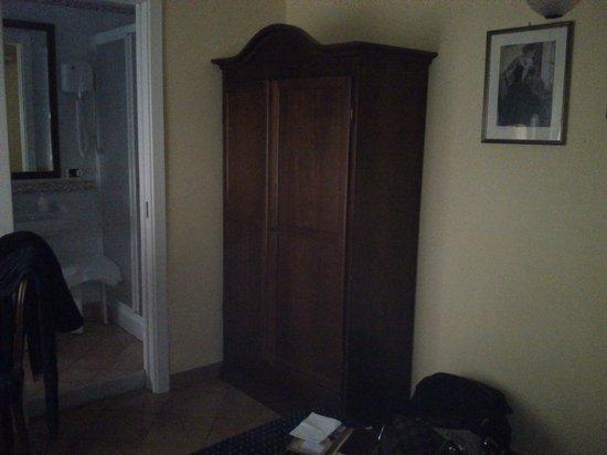Bed & Breakfast Armonia: dettaglio dell'armadio