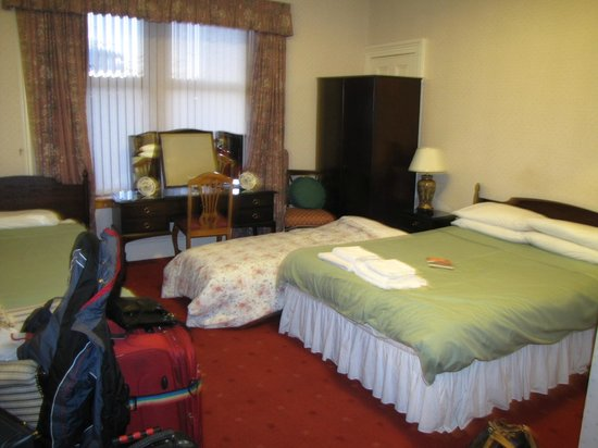 Park Guest House: Family Room 4 with double bed and blow up matress for child