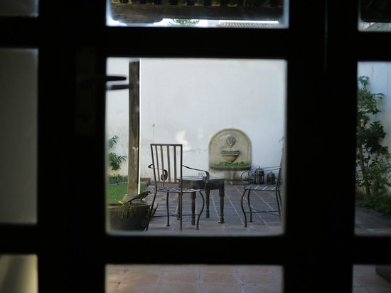 Casa Menta Antigua: 小鳥が降り立つテラス