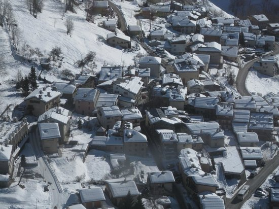 seventy3chalets : Downtown Peisey