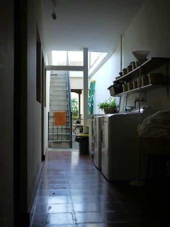Casa Menta Antigua : 大きな洗濯機が2機