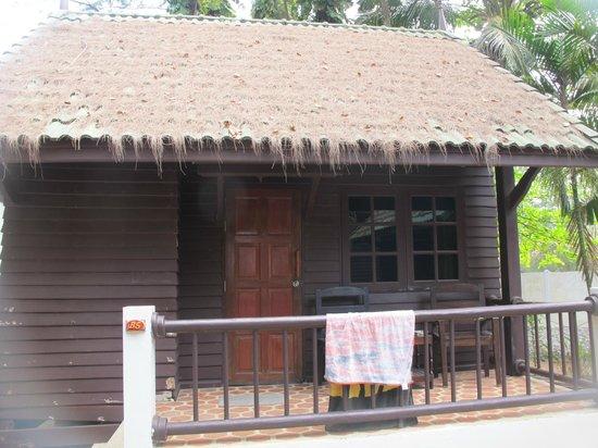 Naithon Beach Resort: bungalow