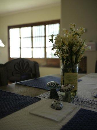 Casa Menta Antigua : リビング横のダイニングテーブル