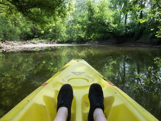 Mohican Adventures Campground & Cabins: kayaking along the mohican