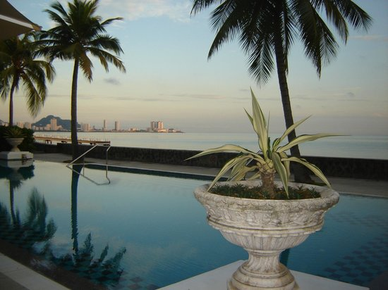 Eastern & Oriental Hotel: Did I mention the pool and the view?
