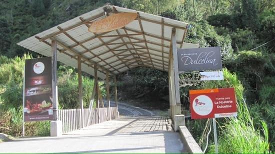 Estancia Dulcelina: Covered Bridge Entrance
