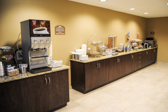 Microtel Inn & Suites by Wyndham Mineral Wells/Parkersburg: Continental Breakfast