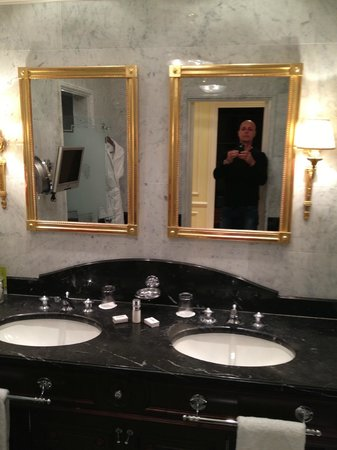Hotel de Paris Monte-Carlo: salles de bains