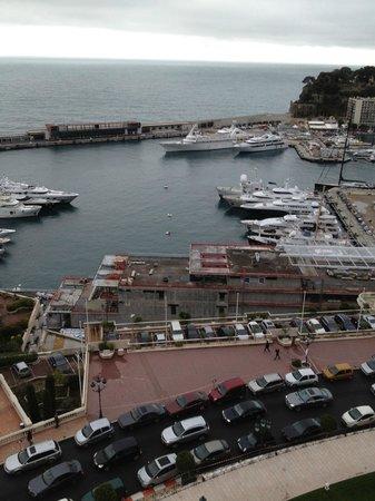 Hotel de Paris Monte-Carlo: vue sur le rocher  et port