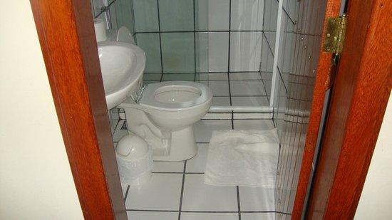 Pousada Sanhaco: baño