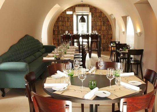 Photo of Modern European Restaurant Taberna da Praca - Pestana Cidadela Cascais at Av. D Carlos I, Cascais 2750-310, Portugal