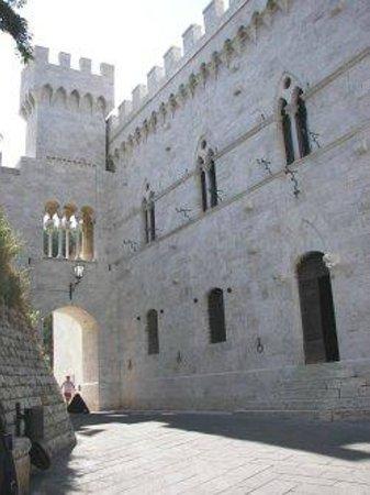 Castello delle Serre: The Castello