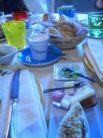 Borgo di Carpiano: colazione