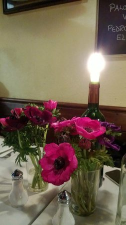 Andrew Edmunds : Table setting