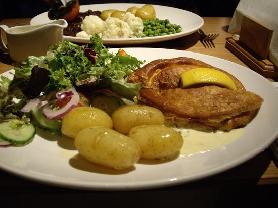 The Morley Hayes Hotel: Fish bake meal at Roosters