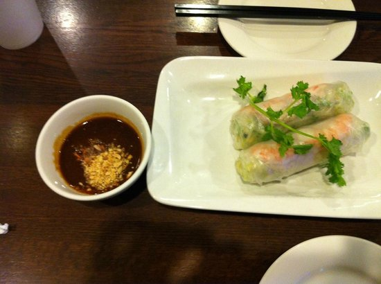Bowl of Pho: Spring roll with peanut sauce