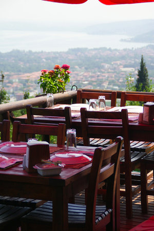 Menzara Restaurant & Cafe