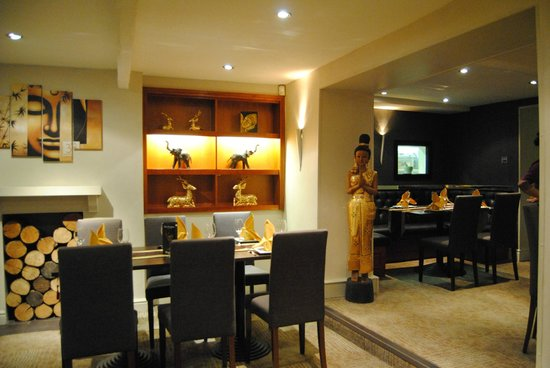 Thai Paragon Bar & Restaurant