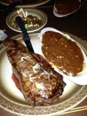 Borrie's Family Restaurant: NY Strip and side of pasta and sauce
