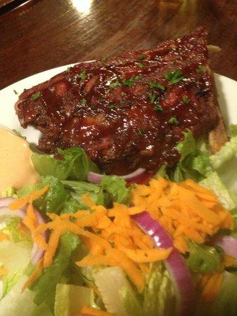 Saint Albans Bay, VT : ribs and a salad