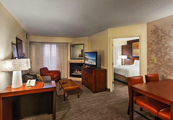 Residence Inn Columbus Easton: Two Bedroom Suite with Fireplace