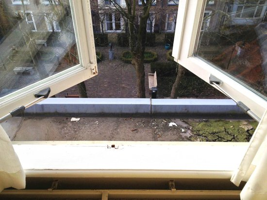 Hotel Pulitzer Amsterdam: Nice courtyard view Deluxe room no. 1