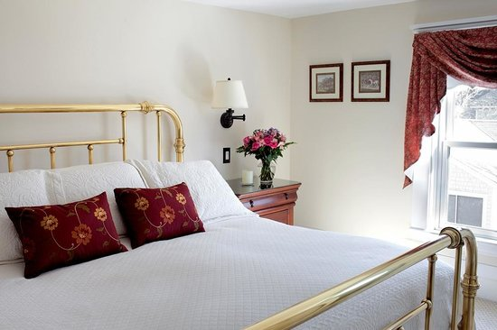 The Kings Inne : Newly renovated Balmoral king suite