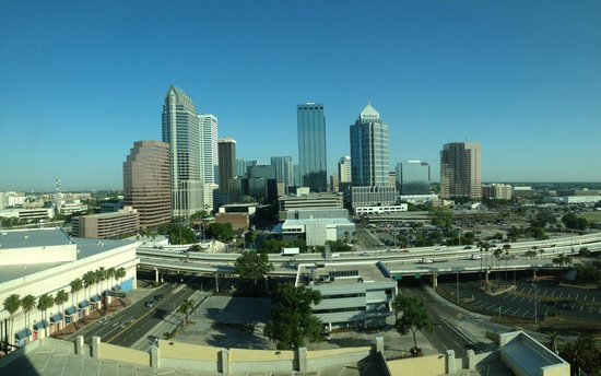 Embassy Suites by Hilton Tampa - Downtown Convention Center: City View from room - 13th Floor