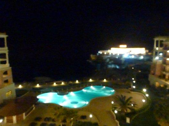 The Westin Dragonara Resort, Malta: Vue de nuit depuis notre chambre