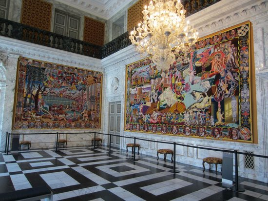 Christiansborg Palace: Knights hall - tapestry room