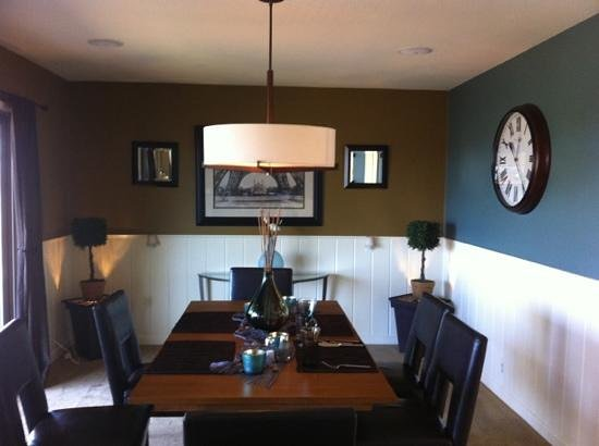 Augusta House Bed and Breakfast: dining