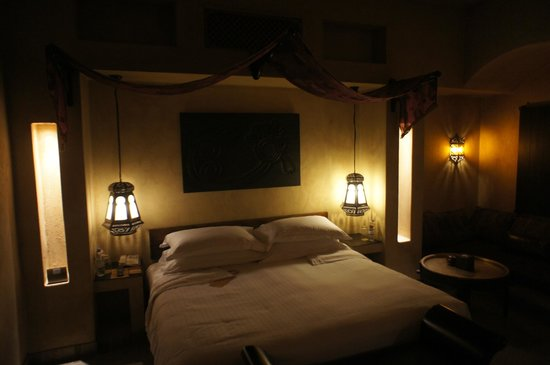 Bab Al Shams Desert Resort & Spa: Zimmer