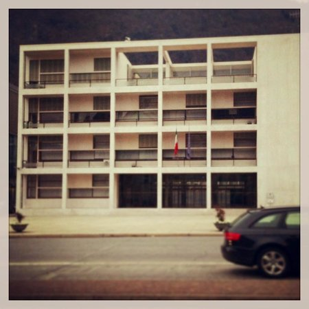 Ex Casa del Fascio: getlstd_property_photo