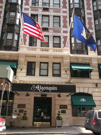 The Algonquin Hotel Times Square, Autograph Collection: Street view
