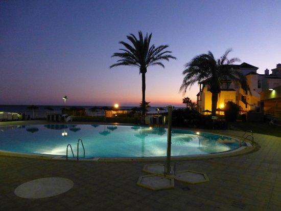 VIK Gran Hotel Costa del Sol: Grounds at night